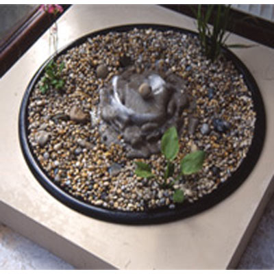 Wallcharm Pebble pool optional pump