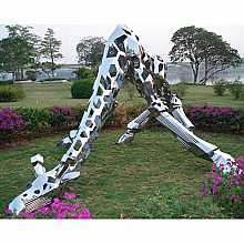 Stainless Steel Giraffe Sculpture