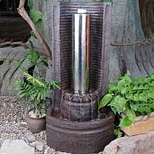 Stainless Steel Pillar in Semi-Circle Water Feature