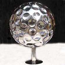 Golf20 - 2000mm stainless steel sphere water feature