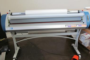 Wide Format Laminate / Mounting