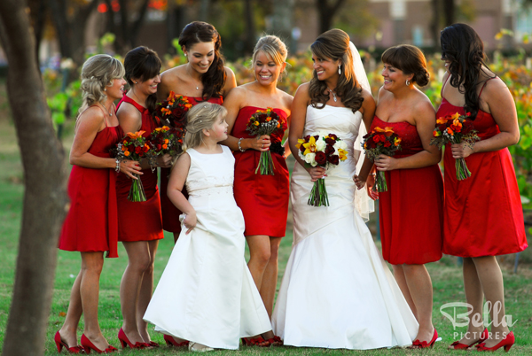 Red Accent Ideas for Wedding Photography - Bridal Week