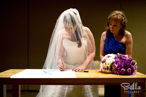Ideas to include your mom in the wedding ceremony