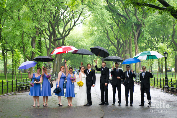 Rainy Wedding Group Photo Ideas