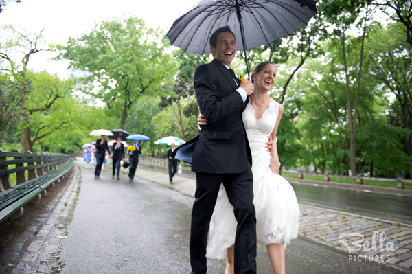 Have Fun with Your Rainy Day Wedding Photos