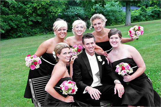 bridesmaids and groom detroit michigan