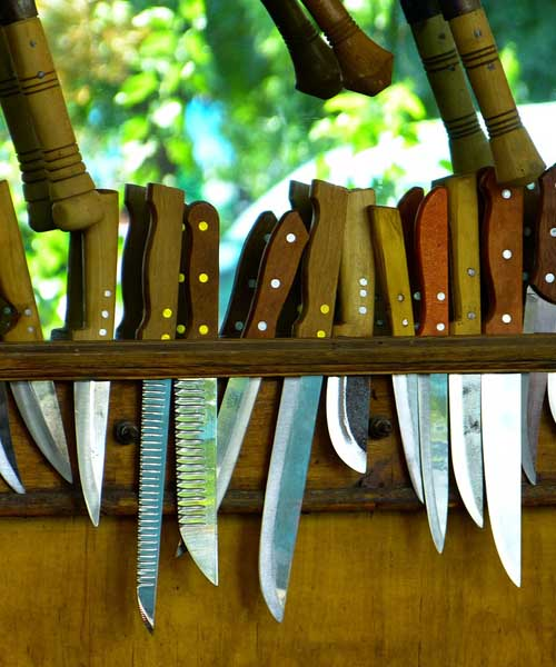 Survival Knife Tips: What to Look For When Buying a Knife