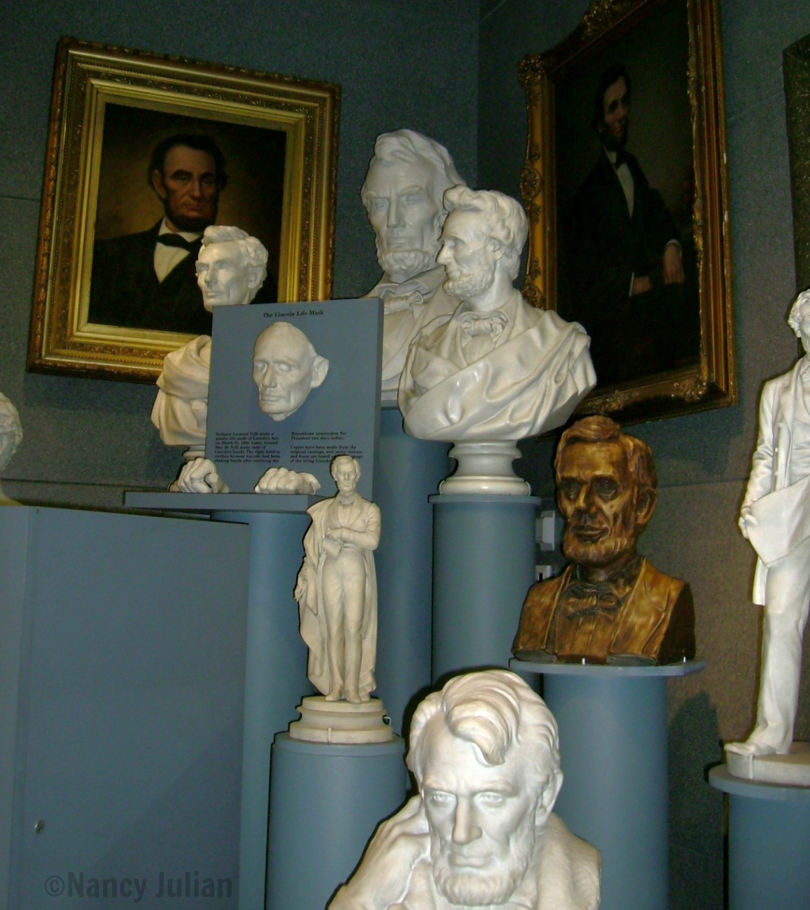 Busts and portraits of Lincoln