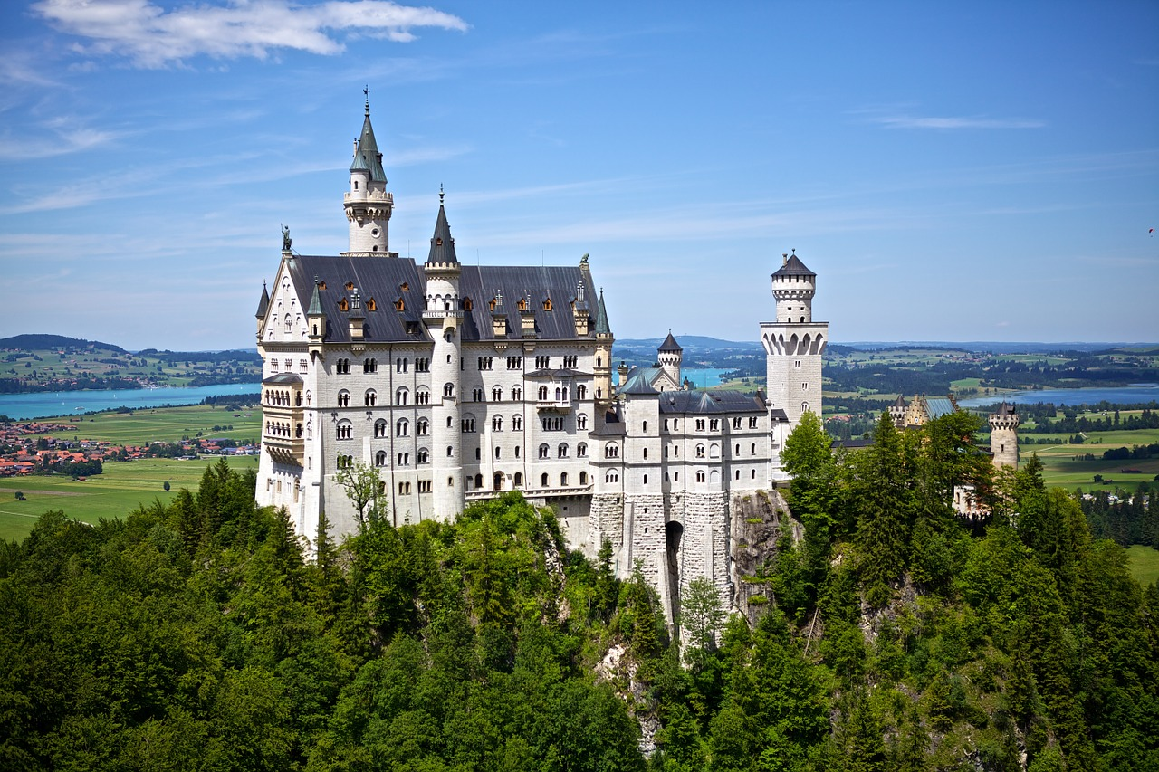 Neuschwanstein-castle_germany