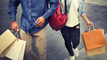 Shopping-generic-couple