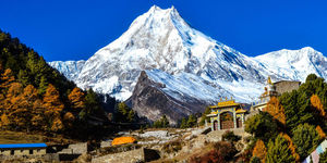 read about Right Himalaya Trekking Tour Operators in Nepal