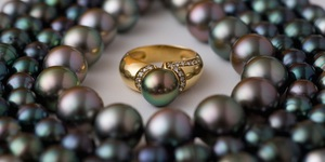 read about Why People Should Buy Tahitian Black Pearls and How to Wear Them