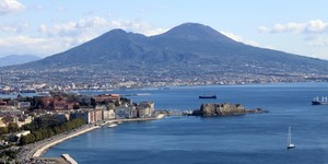 read about 5 Main Reasons Why You Like drive Into Naples, Italy