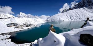 read about Everest Gokyo lakes trek