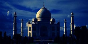 read about Overnight Agra tour