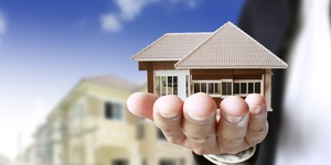 read about How to efficiently buy and sell a property