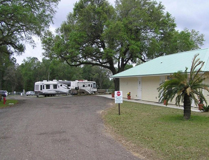 full hookup campgrounds meaning A recreational vehicle park (rv park) or caravan park is a place where people with recreational vehicles can stay overnight, or longer, in allotted spaces known as sites or campsites they are also referred to as campgrounds, though a true campground also rv parks range from rustic facilities with no or limited utility hookups, as often.