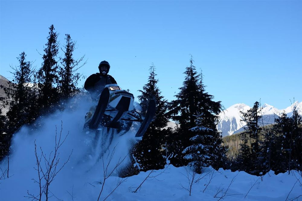 Several Club Members made the long drive up to Valemount BC for a great week of Snowmobiling!