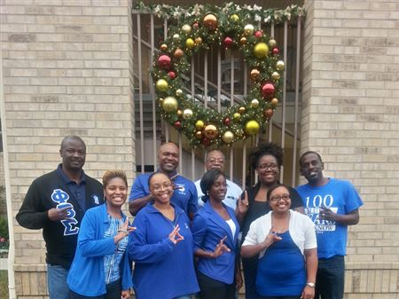 Eta Rho Sigma Chapter and Phi Iota Zeta Chapter Christmas Giving with the Woman Shelter