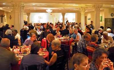 Crowd dining at 2016 DCV Gala