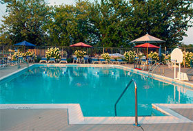 selby-bay-yacht-club-swimming-pool
