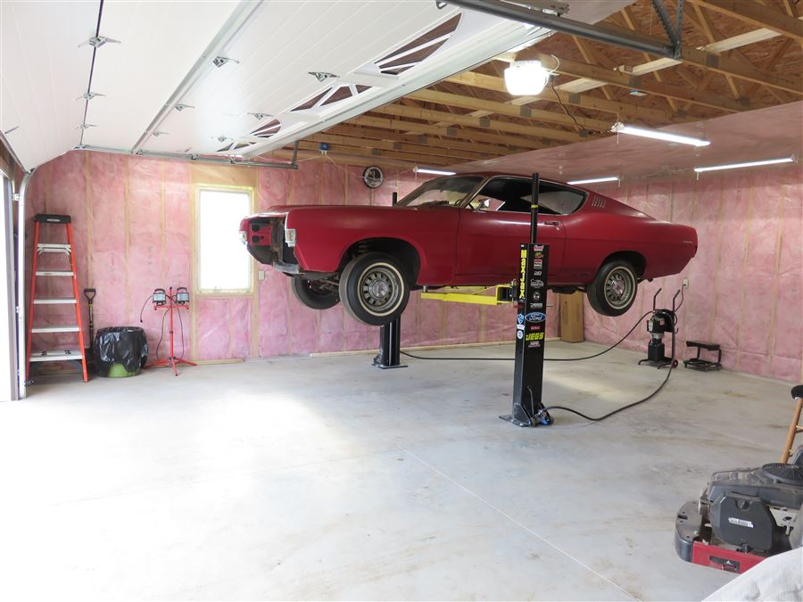 New shop, plenty of space, heated for winter. Time to get rocking on the Torino GT!