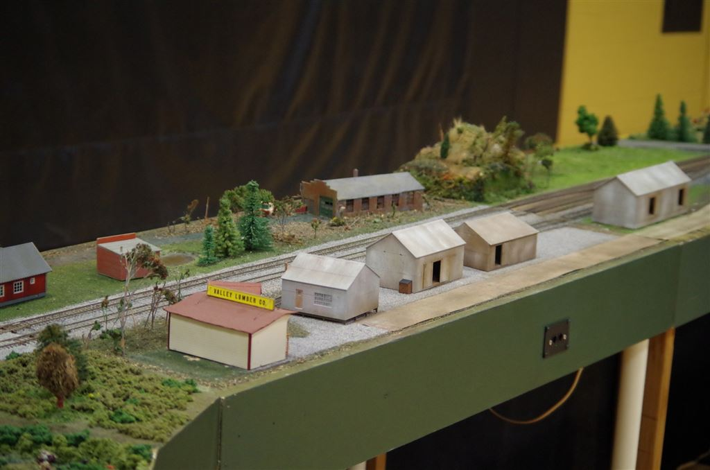 The Southland 2015 Model Railroad show held at Richards HS in Oak Lawn, IL (running and setup photos)