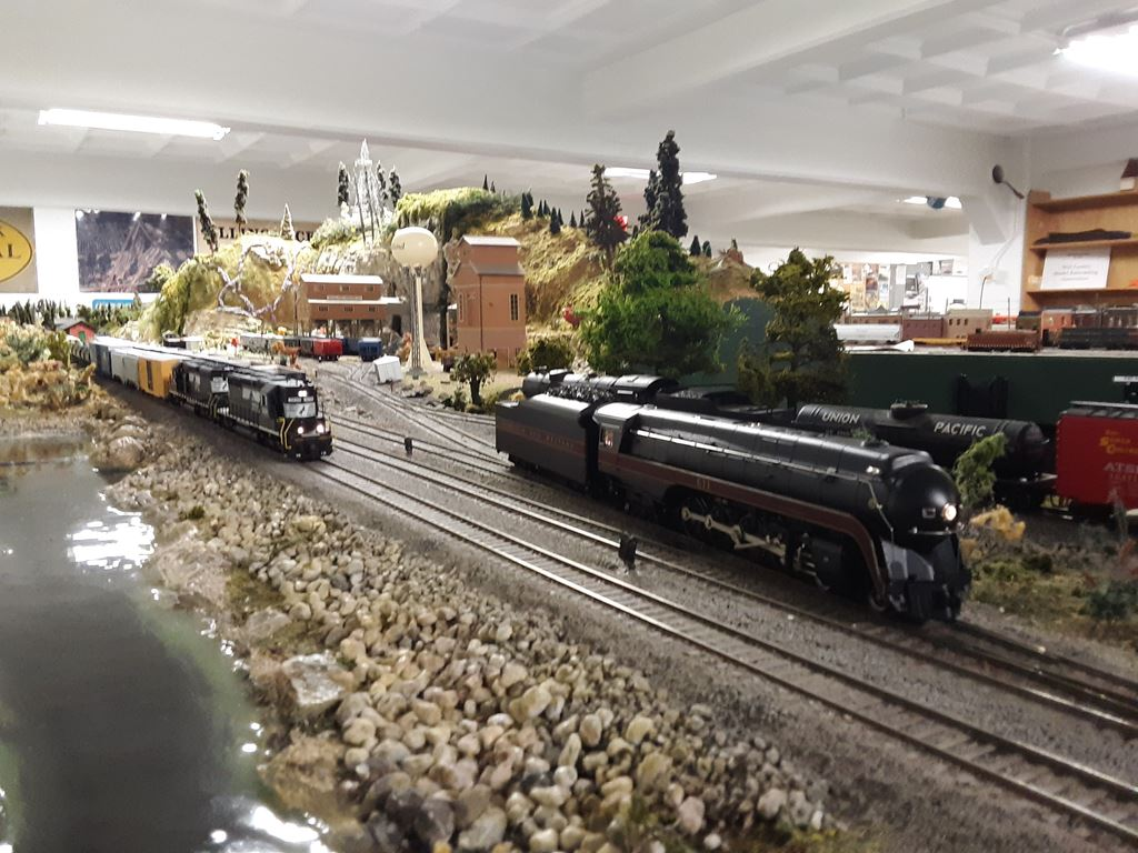 Random photos I take while operating on the layout
