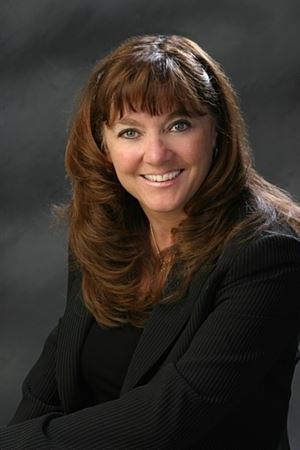 Kathy Schulte Headshot Photo