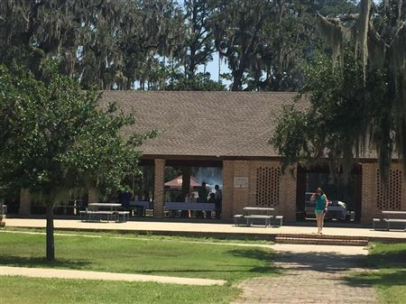 The annual picnic was held at the Fountain Bleu State Park this year.  Great venue, the weather even cooperated.  Good food provided by Hooters, desserts by our members. Great time with great friends.
