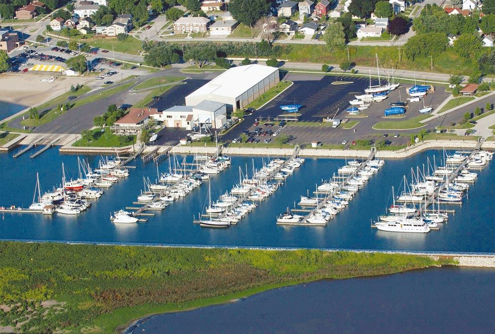 Pictures of Manitowoc harbor and points of interest