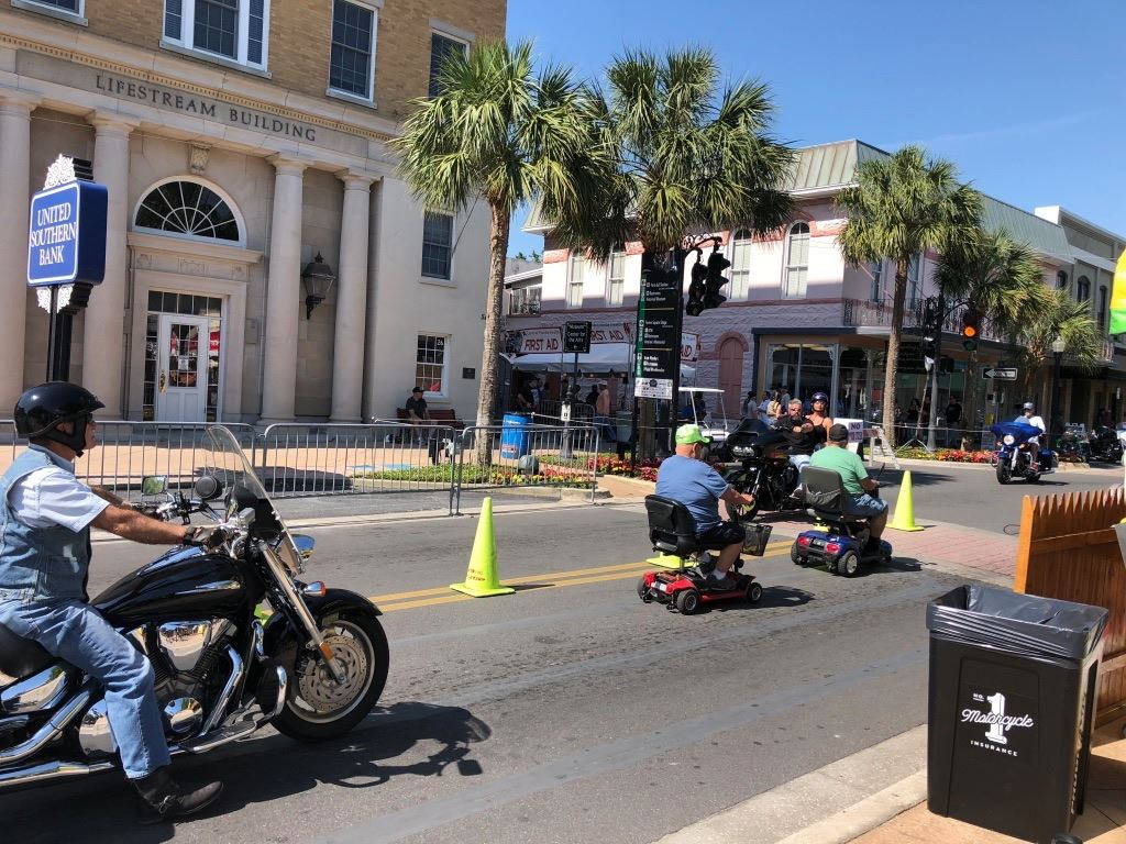 A group of B+ riders from the Bradenton start rode to the Leesburg Bikefest 2018. Here are some pictures.