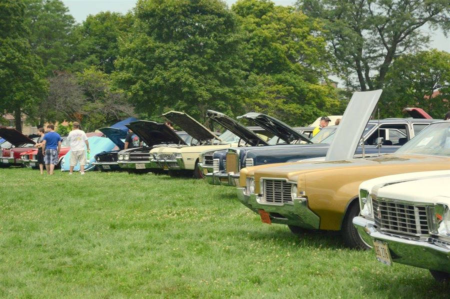 17th Annual Linconlnwood Fest Classic Car Show at Proesel Park