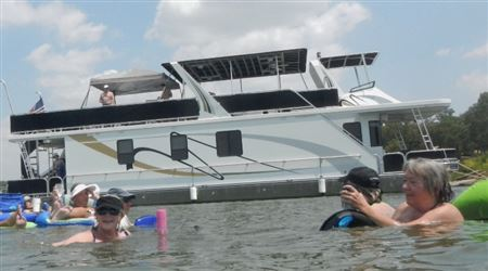 Pictures from the outing on Lake Lewisville on Mike and Cynthia Birowski's big house boat.