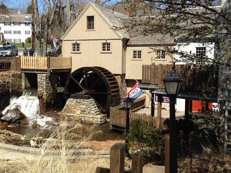 Jenny Plimoth Mill, Reproduction, Powered by Overshot Wheel, Operational
