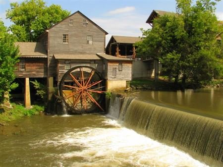 Pigeon Forge Mill, Grist Mill, Powered by Turbine