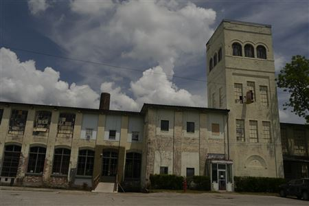 Tupelo Cotton Mill, Built in 1901, Steam Powered, Non-Operational / Event Center