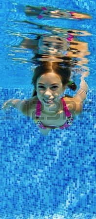 Pool - girl underwater