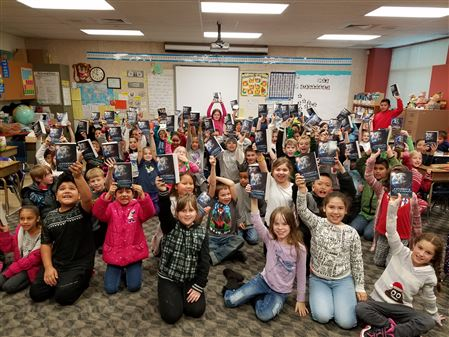 Windsor elementary kids love their new dictionaries