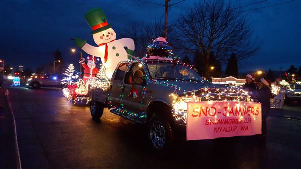 December 2015 Puyallup hometown Santa Parade pictures