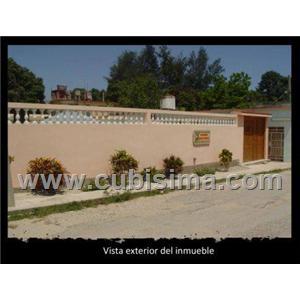 casa de 2 cuartos 80000 cuc  en calle central guanabacoa, la habana