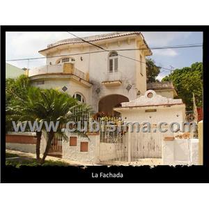 casa de 6 cuartos en kohly, playa, la habana