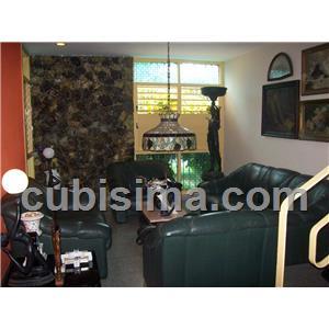 casa de 4 cuartos 140000 cuc  en calle 5a casino deportivo, cerro, la habana