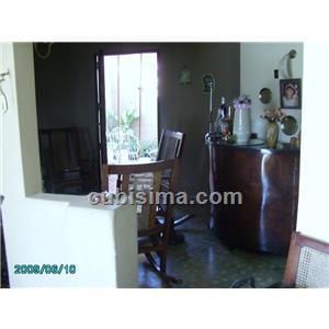 casa de 3 y medio cuartos 38000 cuc  en calle balvey camaguey, camagüey