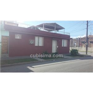casa de 3 cuartos en calle 4ta santiago, santiago de cuba