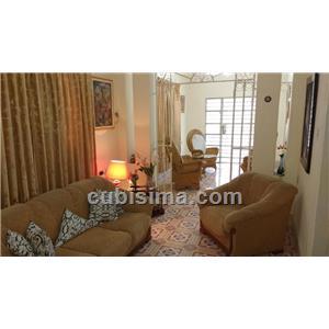 casa de 4 cuartos 125000 cuc  en calle 17 ampliación de almendares, playa, la habana