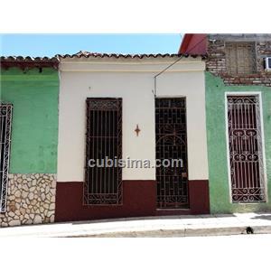 casa de 3 cuartos 30000 cuc  en calle julio jover  santa clara, villa clara