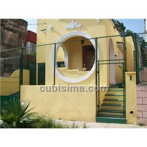 casa de 3 cuartos 130000 cuc  en miramar, playa, la habana