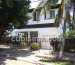 casa de 6 cuartos $200,000.00 cuc  en calle 36 ampliación de almendares, playa, la habana