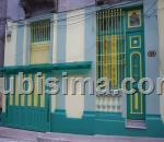 casa de 4 y medio cuartos $130,000.00 cuc  en calle neptuno vedado, plaza, la habana